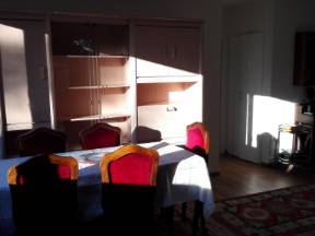 Room In Apartment T4 (75m2) For Rent, Ferney-voltaire